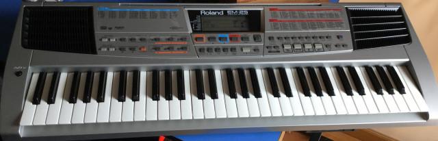 teclado Roland EM-25