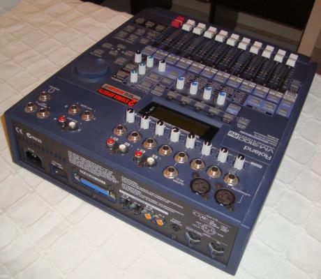 Mesa digital Roland VM3100 PRO