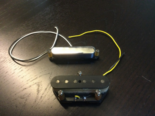Pareja de pastillas Fender American Ash Telecaster 8502