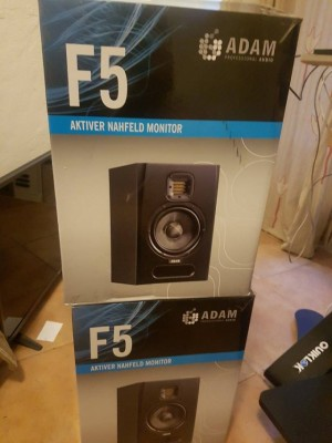 Pareja de monitores de estudio Adam F5