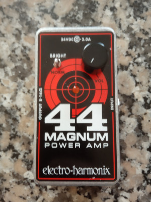 Electro Harmonix Magnum 44 + alimentador no original