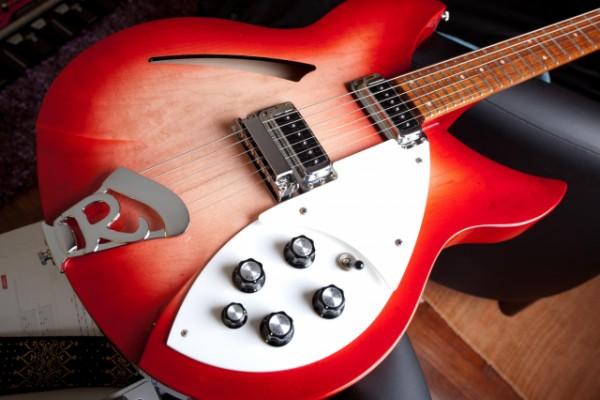 o Vendo Rickenbacker 330 Fireglo - Cambios en el anuncio