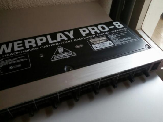 Amplificador Auriculares + Cables Behringer Powerplay Pro-8