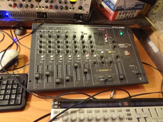 O cambio: Mixer Ecler Mac70