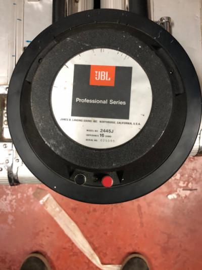 Vendo 4 motores JBL2445J con membranas en funcionamiento.