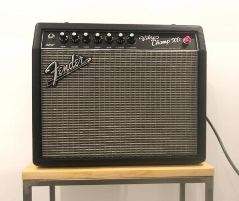 Amplificador de guitarra a válvulas Fender Vibro Champ XD