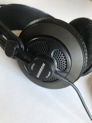 Auriculares Samson SR850