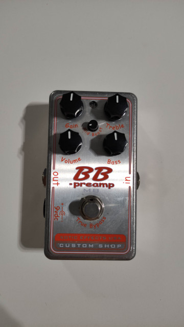 Xotic bb preamp mid boost