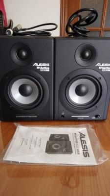 Alesis M1 520 USB Pareja Monitores de Estudio con Interfaz USB Incorporado