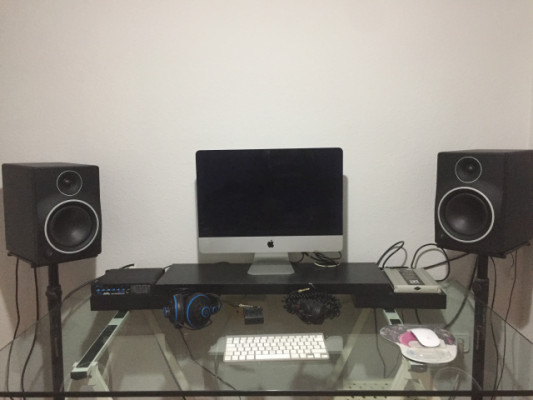 Se vende home studio