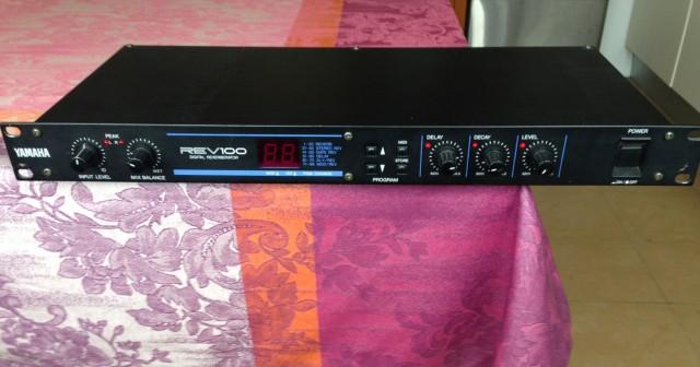 Vendo reverb Yamaha Rev100 (o cambio)