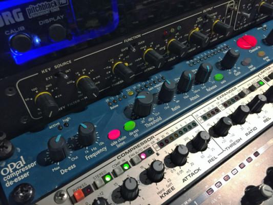 BSS Opal 422 stereo Compressor/deesser
