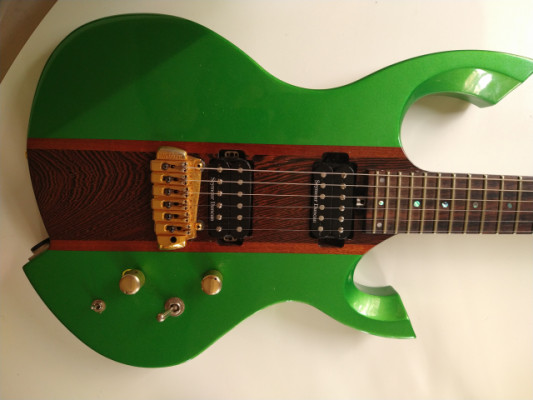 Guitarra boutique Luthier Cicolin Custom. Italia