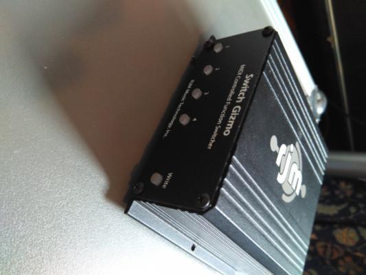 Gizmo mini amp midi switcher