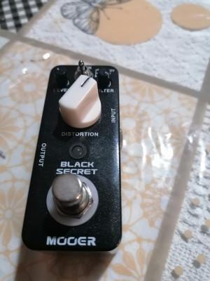 Mooer black secret distorsión