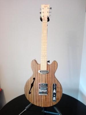 Guitarra del Luthier VIEITES 553