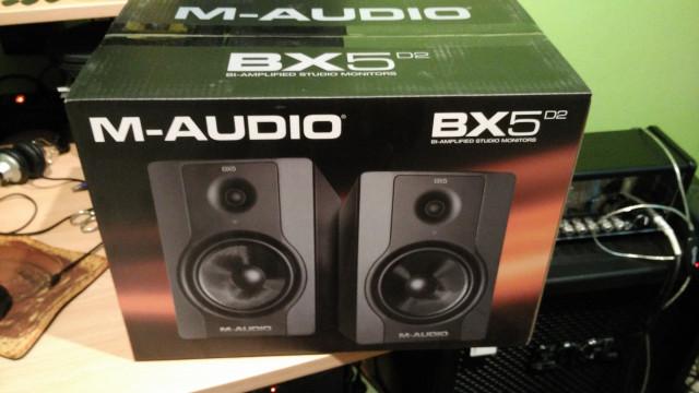 M-AUDIO BX5 D2 (monitores)