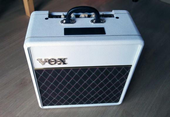 VOX AC4C1-12 White Bronco