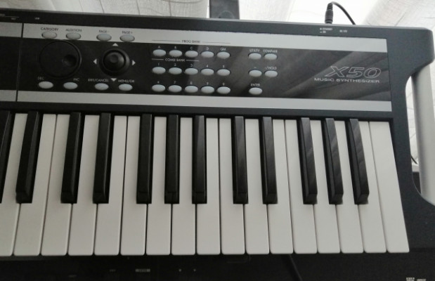 Korg x50 sintetizador