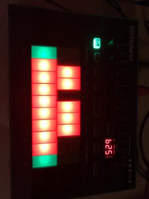 O vendo Roland Aira Tb3 y Roland Aira Tr8