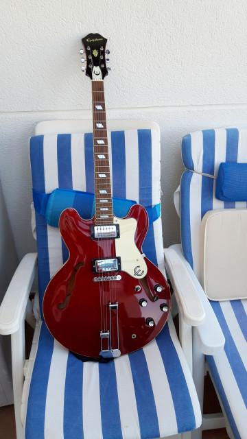 Guitarra Epiphone Riviera