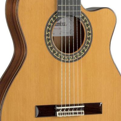 Guitarra Clásica Alhambra + funda semirígida