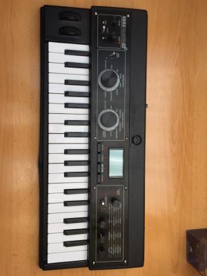 Teclado Sintetizador Korg MicroKorg XL +
