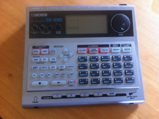 Boss DR-880 caja de ritmos