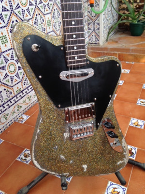 guitarra electrica , NO CAMBIO