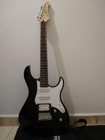Guitarra eléctrica Yamaha Pacífica 112V