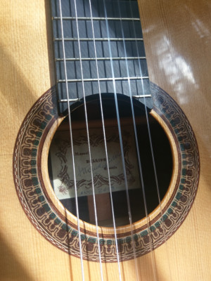 Guitarra Manuel Bellido 1850 euros!!!!