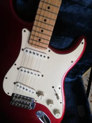 Vendo Fender Stratocaster american Special