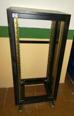 Armario rack 24U