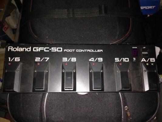 Roland GFC-50 pedalera midi