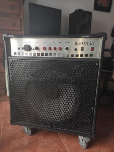 Amplificador de Bajo H&K Basskick 515