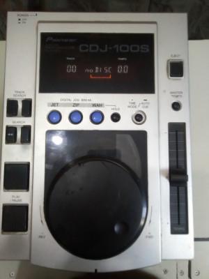 REPRODUCTOR  CD PIONEER CDJ 100