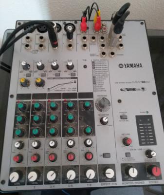 Mezcladora Yamaha MW8cx