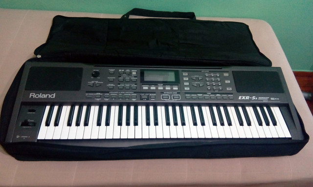 Teclado Roland EXR-5s