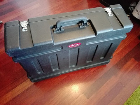Pedalboard SKB Stage Five con Case integrado