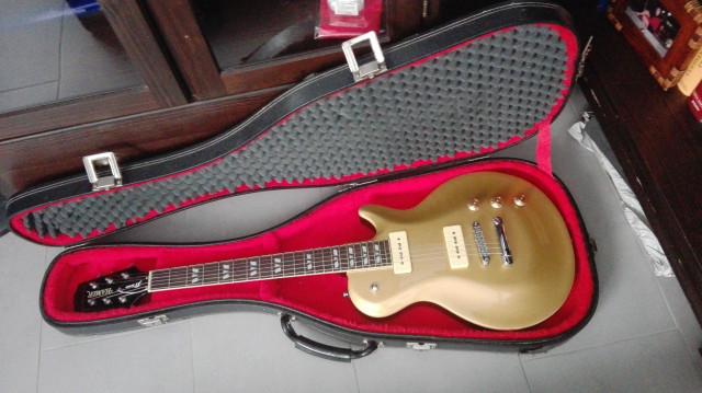 Hamer monaco xt gold top, con p90 Gibson