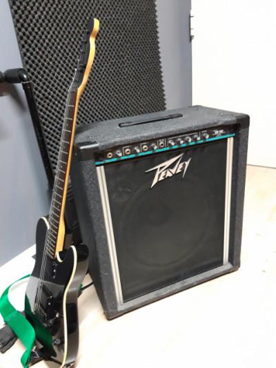 Amplificador Peavey Kb100 para teclado, voz o guitarra