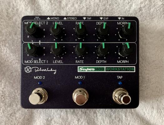 Keeley Super Mod workstation (2 canales de modulaciones, 8 efectos en c/u)