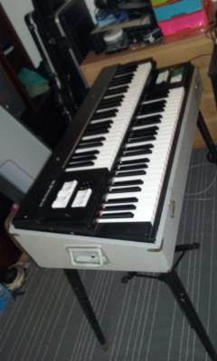 Órgano HOHNER Synphonic 320.