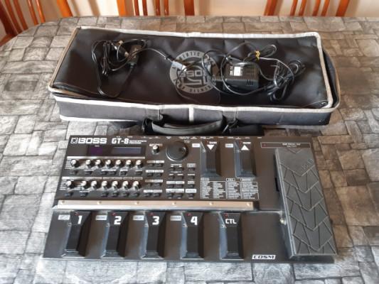 Pedalera multiefectos Boss GT8 + accesorios