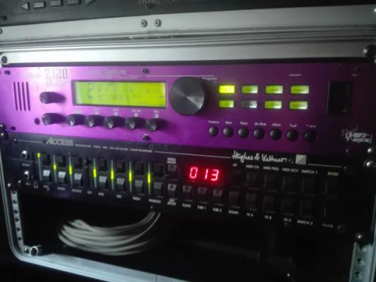 Digitech 2120 Artist + control one.