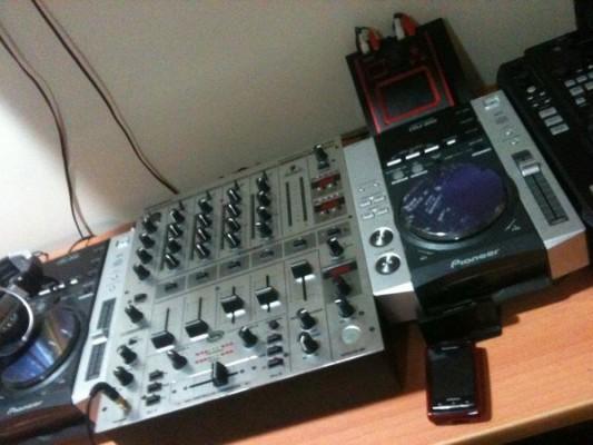 Vendo Pareja CDJ 200 + DJX 700 Impecables.