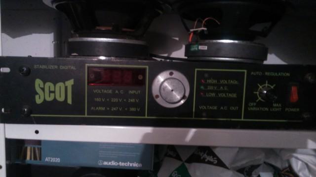 Estabilizador digital de corriente scot