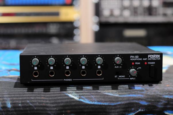 Distribuidor/Amplificador de cascos Fostex PH-50