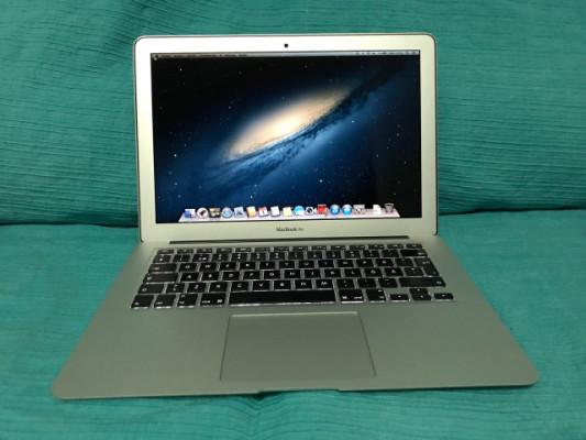 MacBook Air 6,2 I5 1,4 ghz 2 nucleos, 4 gb RAM, SSD 128 Gb