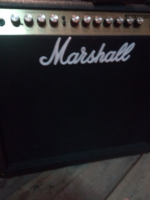 !!! OCASION!!! Strato, Marshall y pedal boss..220€!!